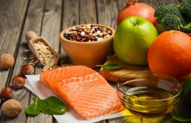 Названы продукты, защищающие от деменции
