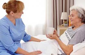 Медик порекомендовал пережившим инсульт пациентам запоминать детские стихи