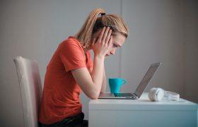 Иммунолог дала советы, как справиться с мигренью