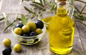 Медики рассказали о пользе оливкового масла при варикозе