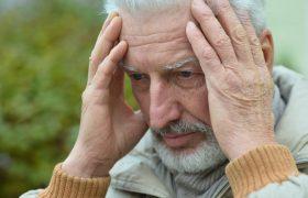 Ученые заявили, что отсутствие радости — симптом деменции