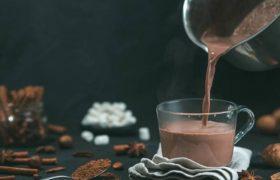 Некоторые напитки улучшают защиту от тромбов после COVID-19